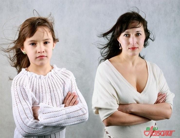 Сначала мама а потом и дочка